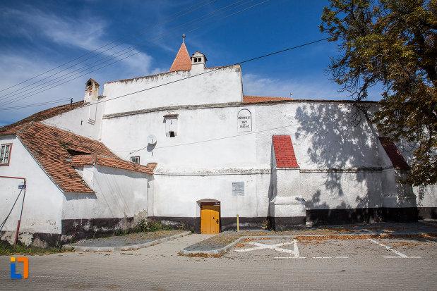 zidul-de-incinta-de-la-biserica-evanghelica-fortificata-1783-din-miercurea-sibiului-judetul-sibiu.jpg
