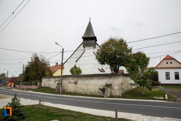 zidul-de-la-biserica-lutherana-din-sec-xiii-din-copsa-mica-judetul-sibiu.jpg