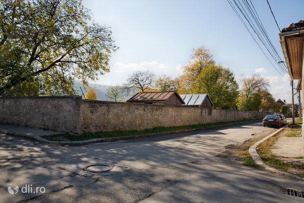 zidul-de-la-cimitirul-evreiesc-din-sighetu-marmatiei-judetul-maramures.jpg
