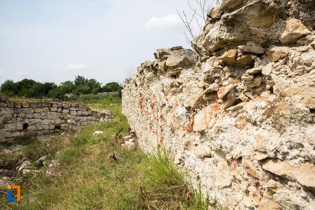 ziduri-de-piatra-cetatea-giurgiu-judetul-giurgiu.jpg