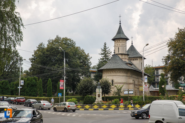 zona-centrala-cu-biserica-sf-nicolae-prajescu-1611-din-suceava-judetul-suceava.jpg