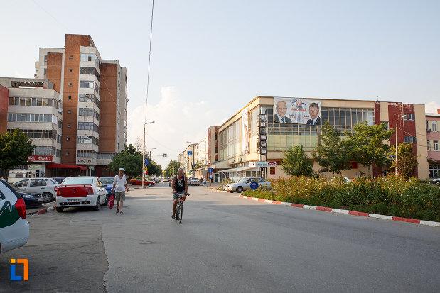 zona-centrala-din-orasul-rosiori-de-vede-judetul-teleorman.jpg