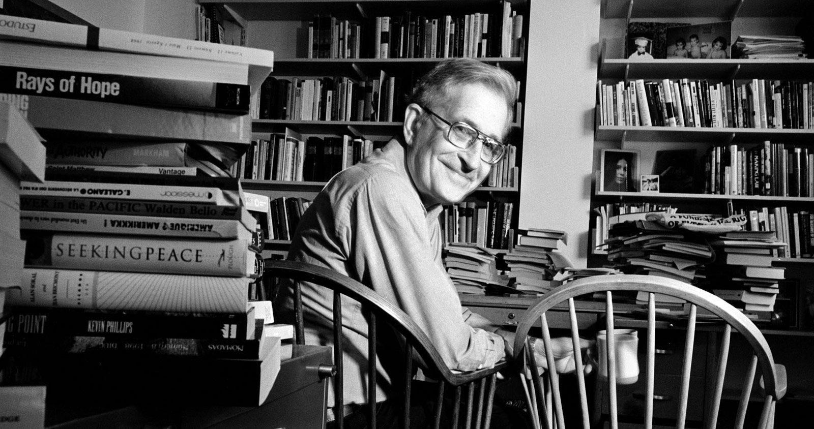 Naom Chomsky, creatorul gramaticii generative