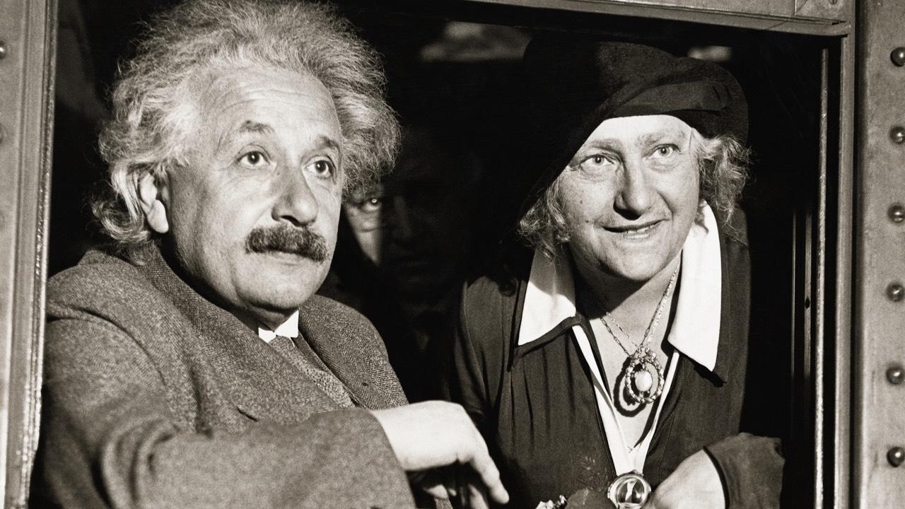 Einstein si Elsa