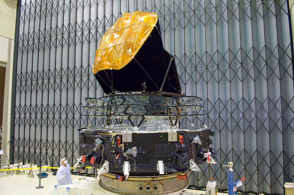 Construirea unui satelit