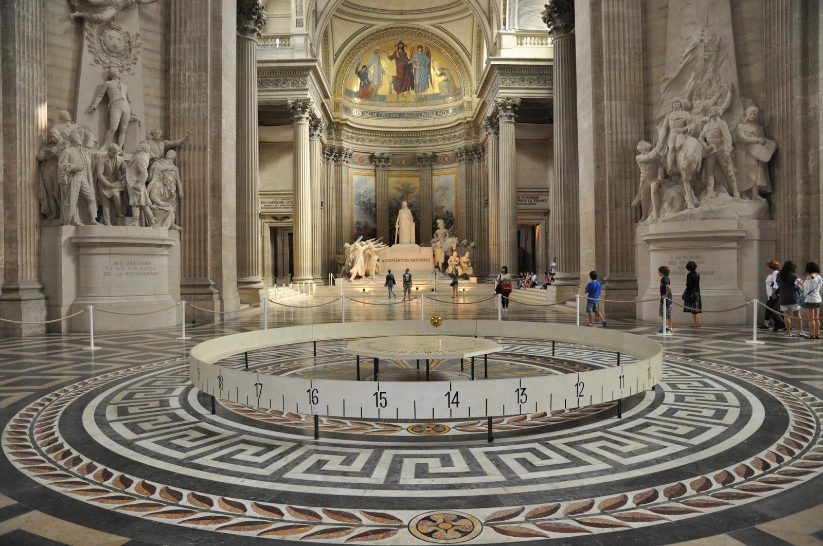 Pendulul lui Foucault , Paris