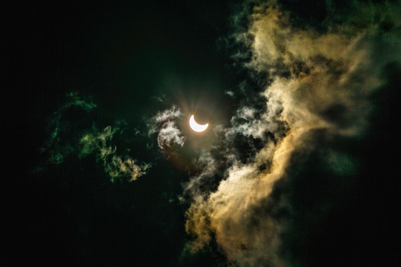 Cea mai lungă eclipsă totală de lună din secolul al XXI-lea