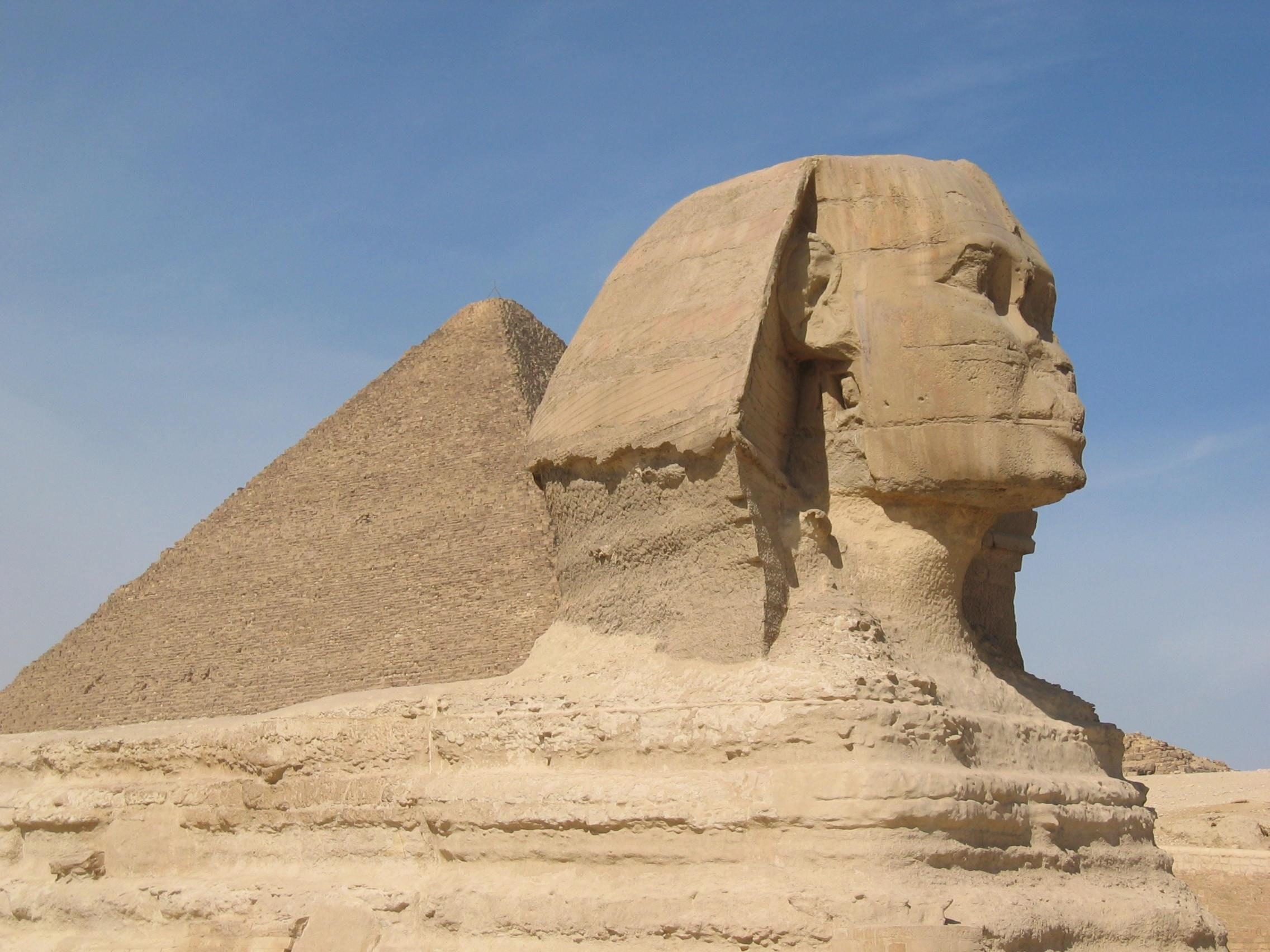 Curiozităţi ştiinţifice, Piramida lui Keops