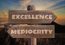 """Mediocritatea ca atitudine de viaţă. Mersul """"pe sârmă"""" între incompetenţă şi performanţă. Suntem prizonieri în paradigma rutinei"""