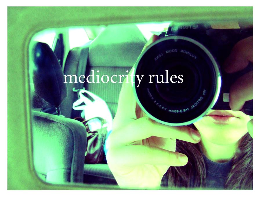 """Mediocritatea ca atitudine de viaţă. Mersul """"pe sârmă"""" între incompetenţă şi performanţă"""