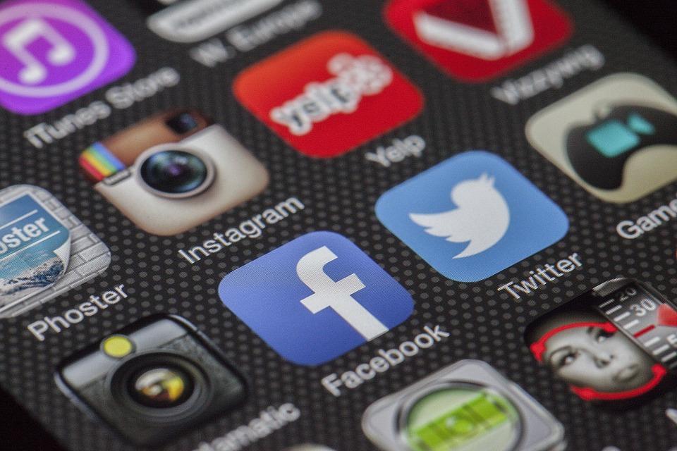 Nomofobia şi FoMO, telefonia mobila si Internetul