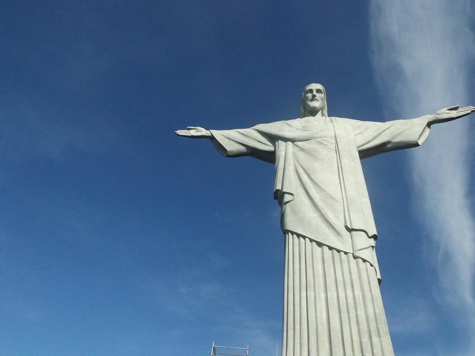 Statuia lui Hristos Mântuitorul (Cristo Redentor), din Rio de Janeiro (Brazilia)