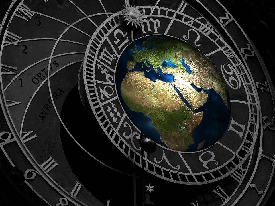 Teoria pământului gol, variante vechi şi noi