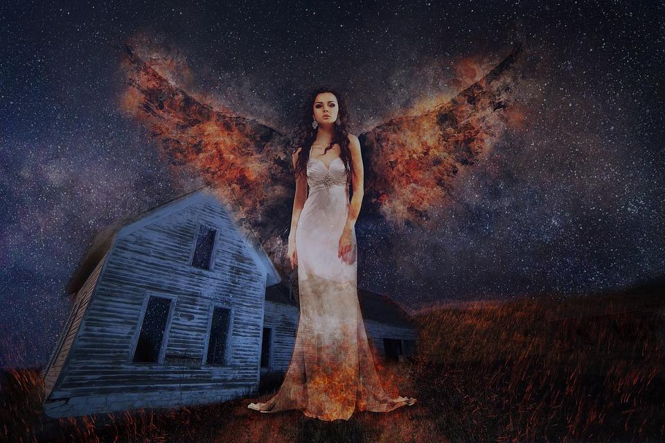 Zburatoroaica, spirit fantastic feminin