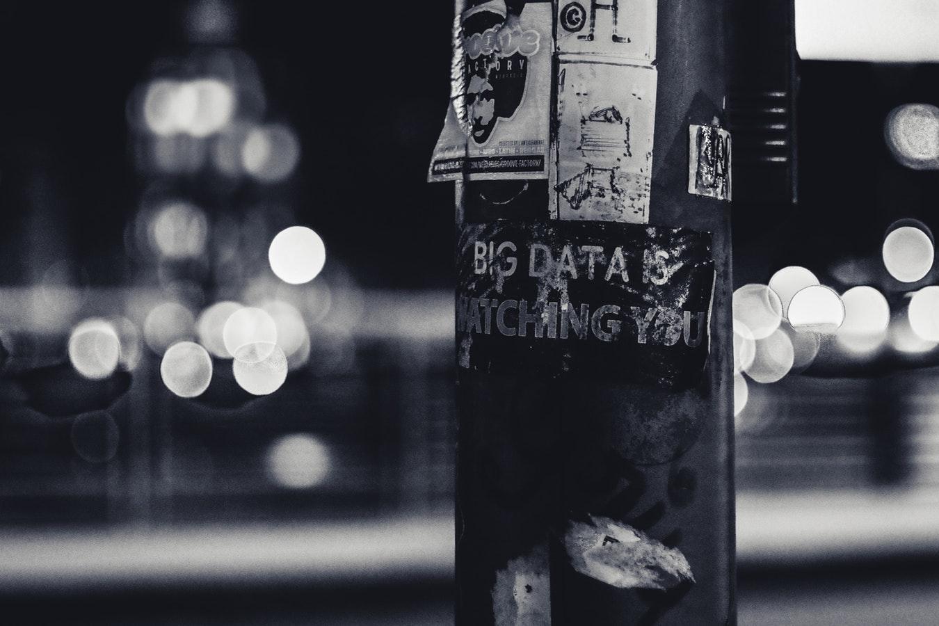 Panopticul lui Foucault, mecanismele sociale ale supravegherii şi ale controlului, Big Data