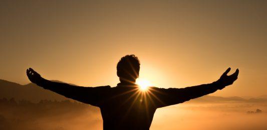 10 personalităţi de succes, care s-au confruntat mai întâi cu experienţa eşecului