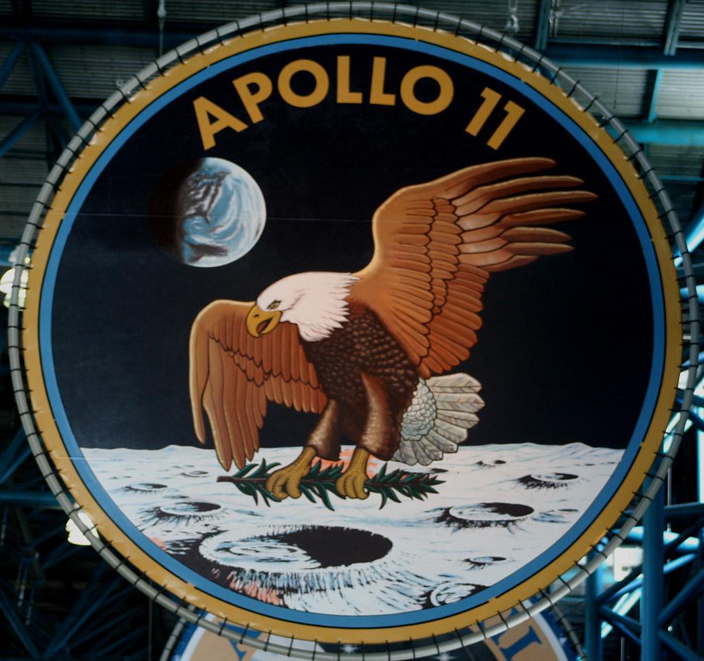 Emblema misiunii Apollo 11 , Vulturul