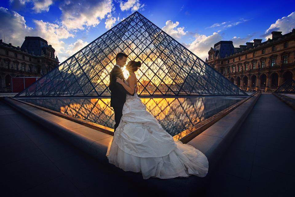 Luna de miere, la Paris