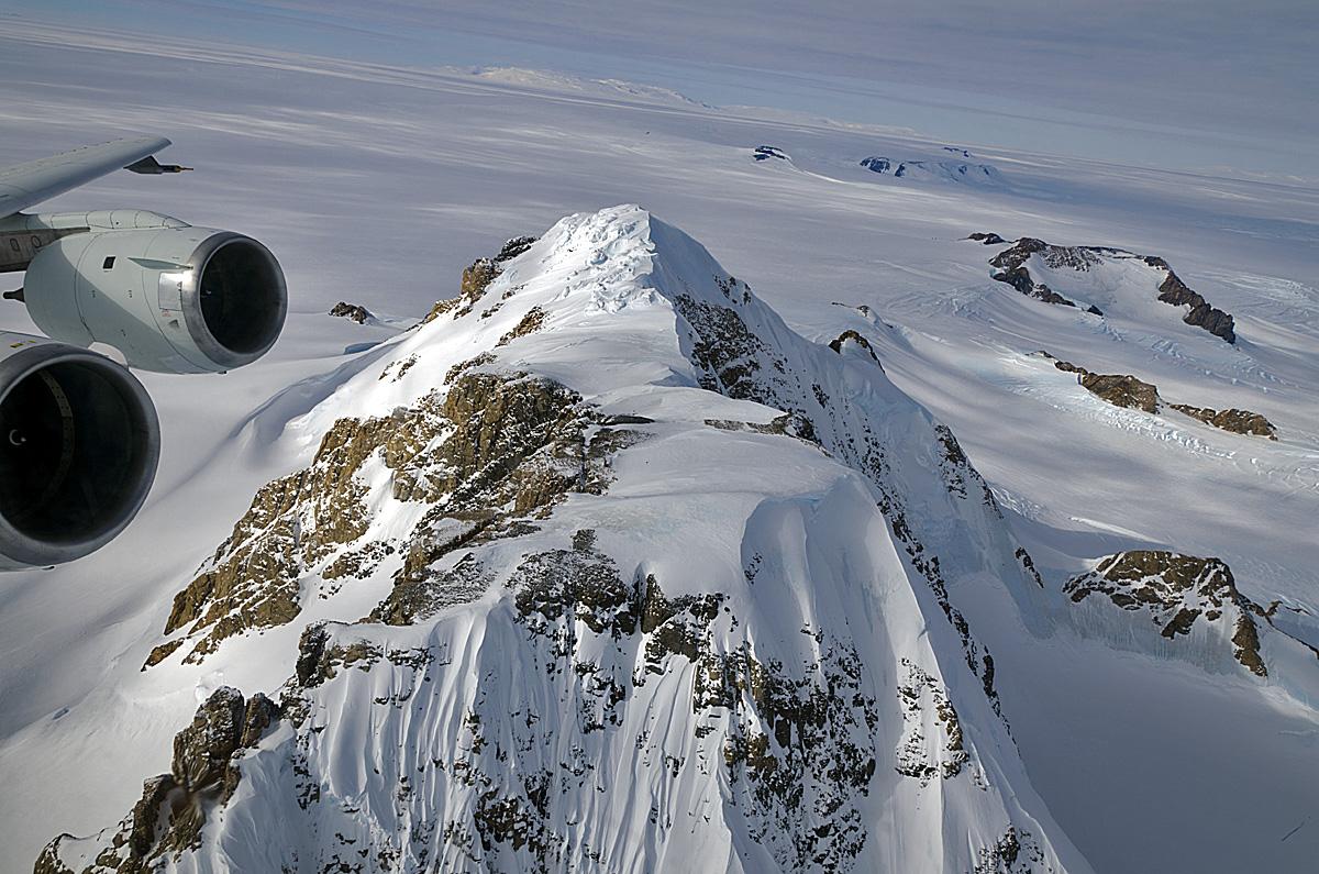 No man's land, Antarctica, Marie Byrd< Sursa: espo.nasa.gov