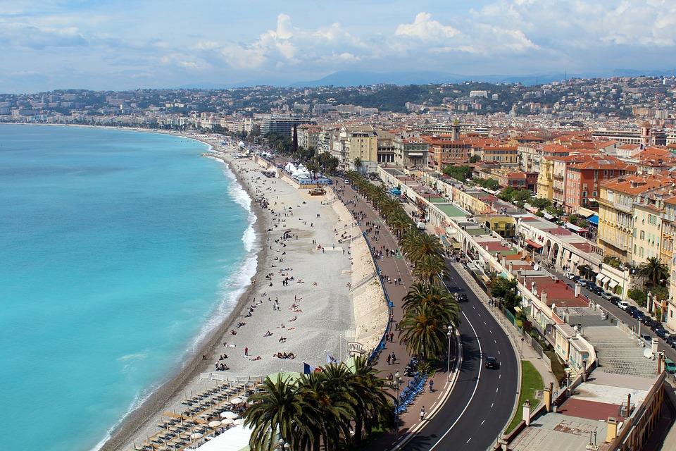 Istoria concediului plătit, Nisa, Coasta de Azur