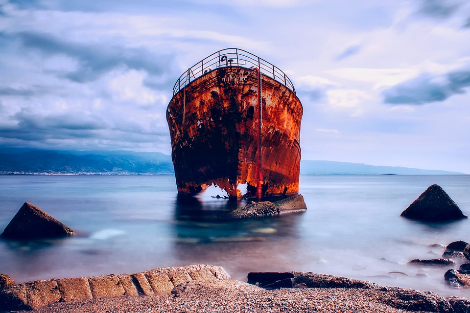 Între Scila şi Caribda, Stramtoarea Messina