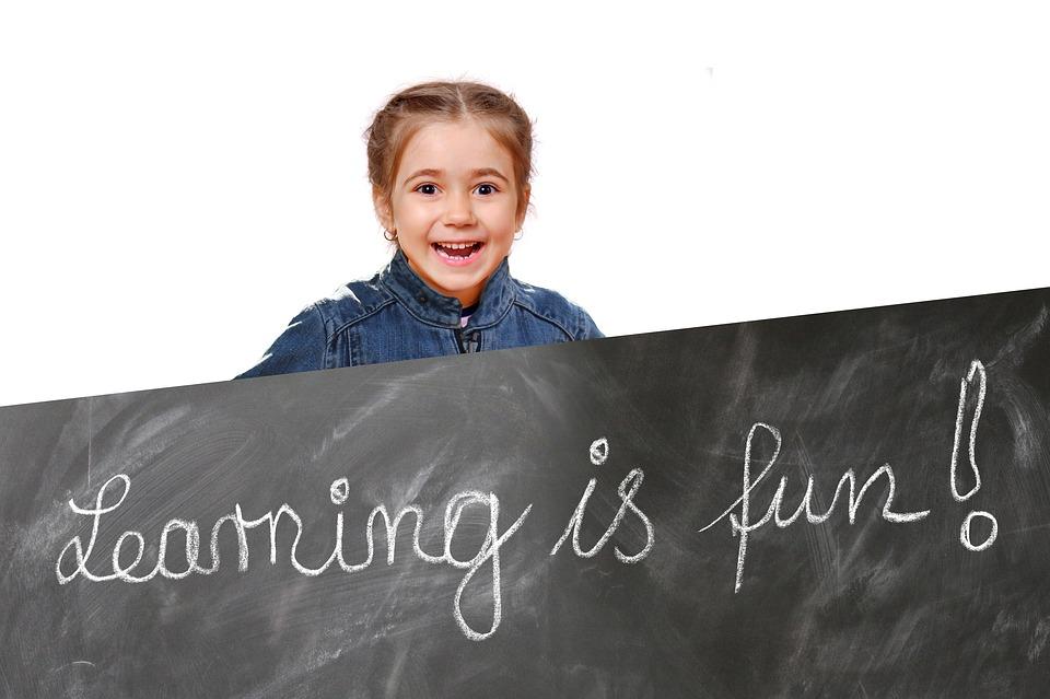 """Şcoala şi """"pedagogia"""" fericirii"""
