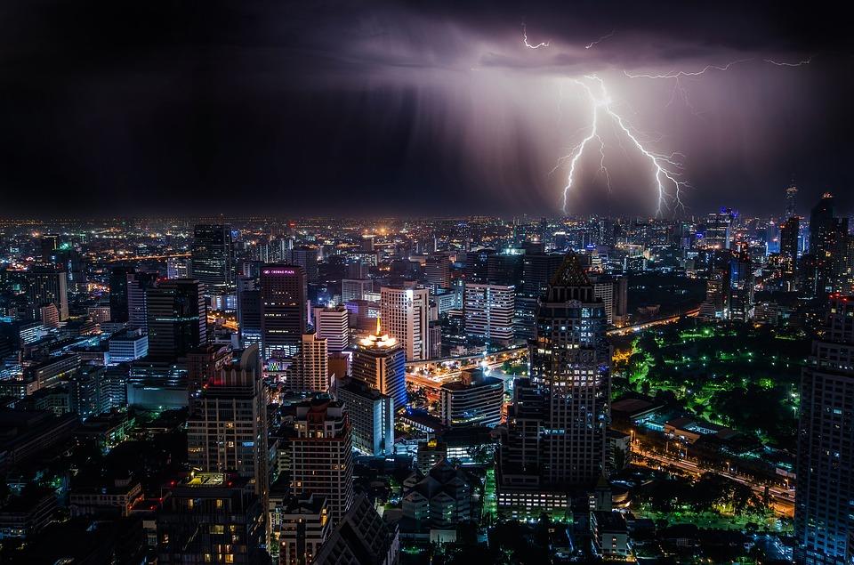 Dependenţa de electricitate, cea mai puternică adicţie a omului modern