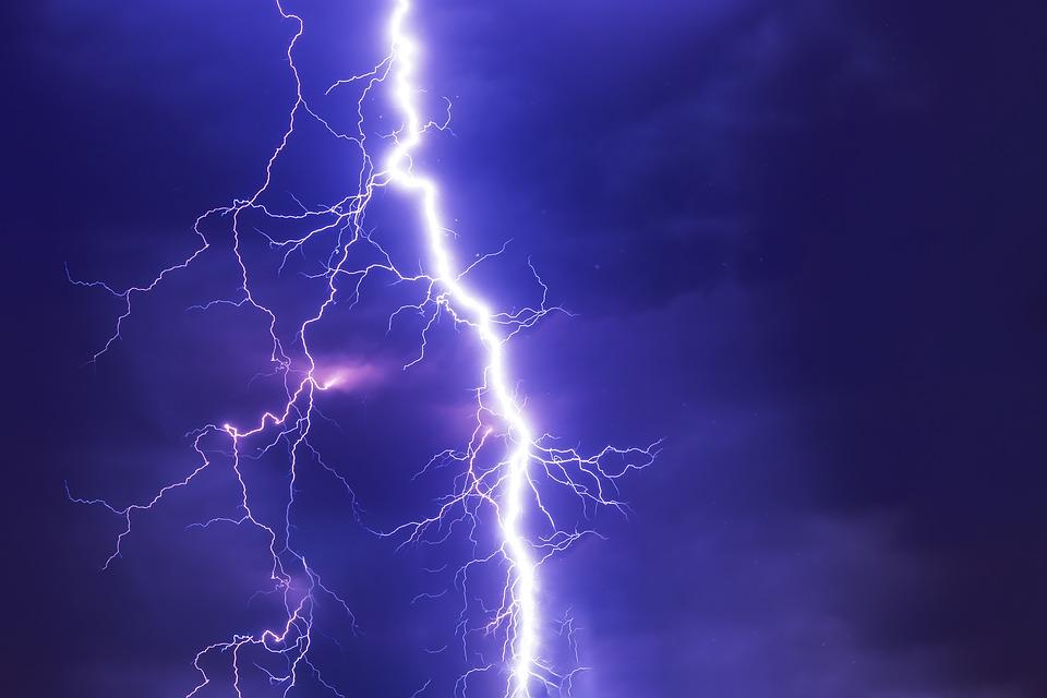 """Dependenţa de electricitate, cea mai puternică """"adicţie"""" a omului modern"""