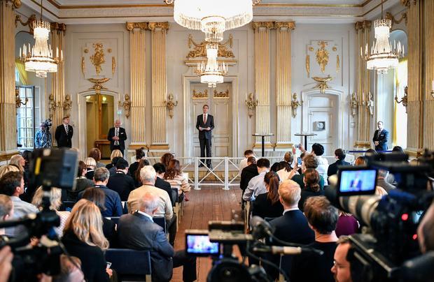 Premiul Nobel pentru Literatură 2019 şi 2018, Sursa: CBS News