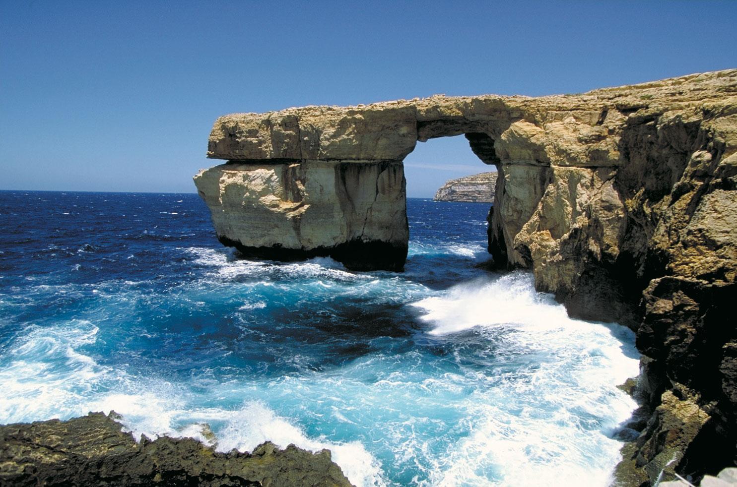 12 insule misterioase, Insula Gozo, Sursa: Britannica