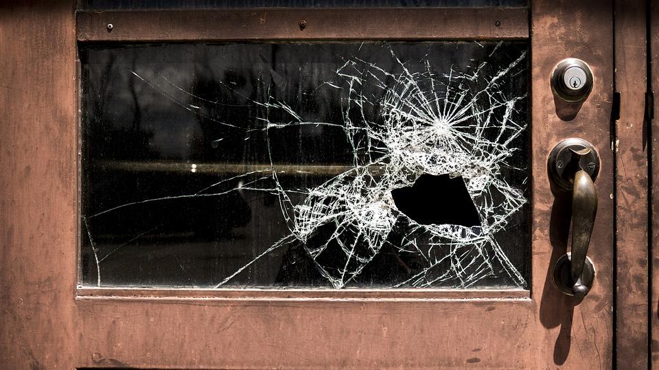 Teoria ferestrelor sparte