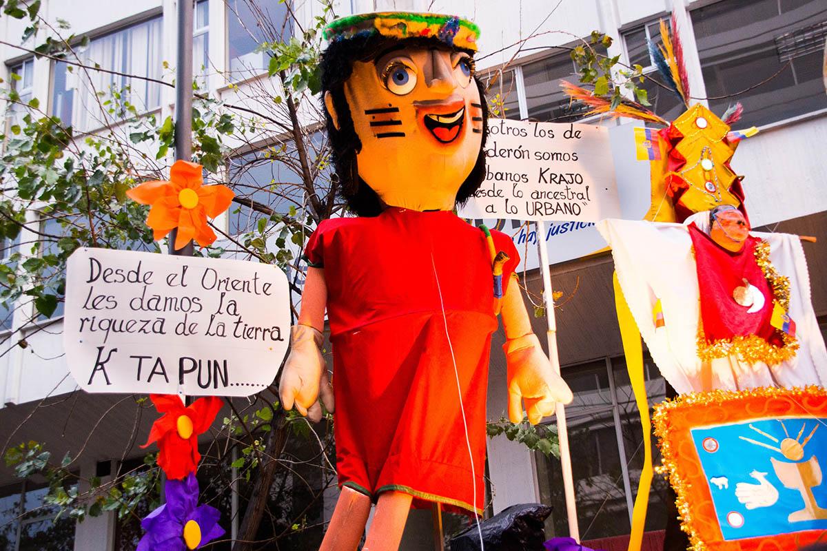 Obiceiuri de Anul Nou, Ecuador, se ard nemultumirile