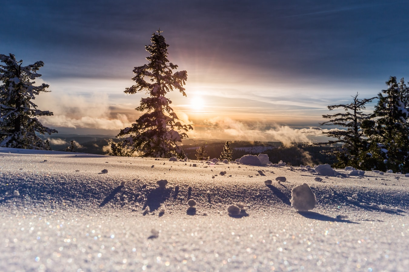 Solstiţiul de iarnă, cand Lumina invinge Intunericul