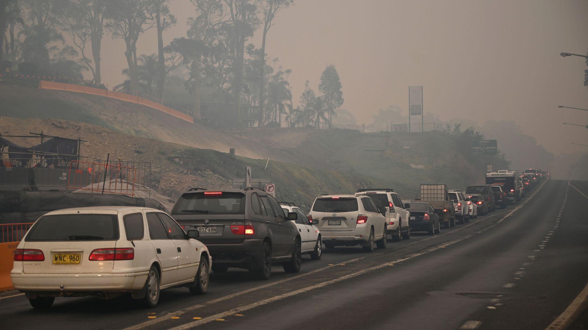 Australia, peste 100 000 de oameni evacuati, Sursa Axios