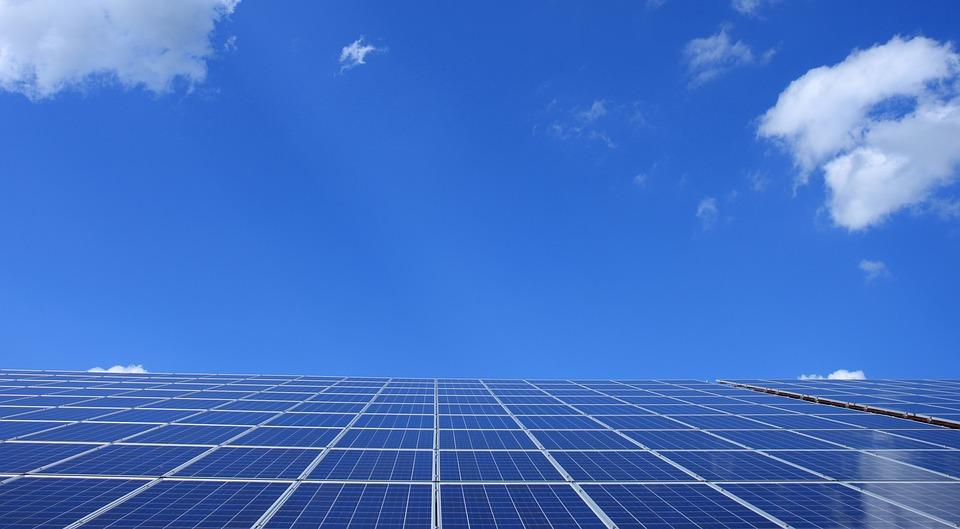 Panouri solare în spaţiu