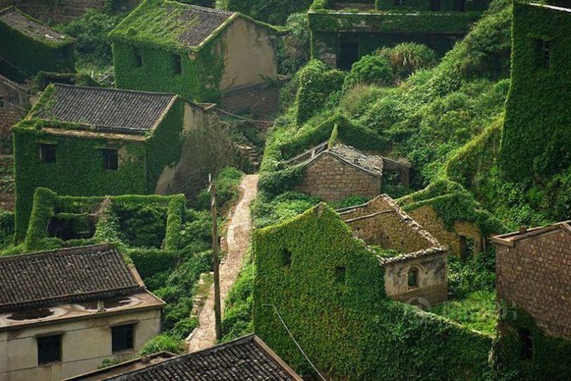 Un oraş fantoma înghiţit de natură, China, Sursa Tang Yuhong