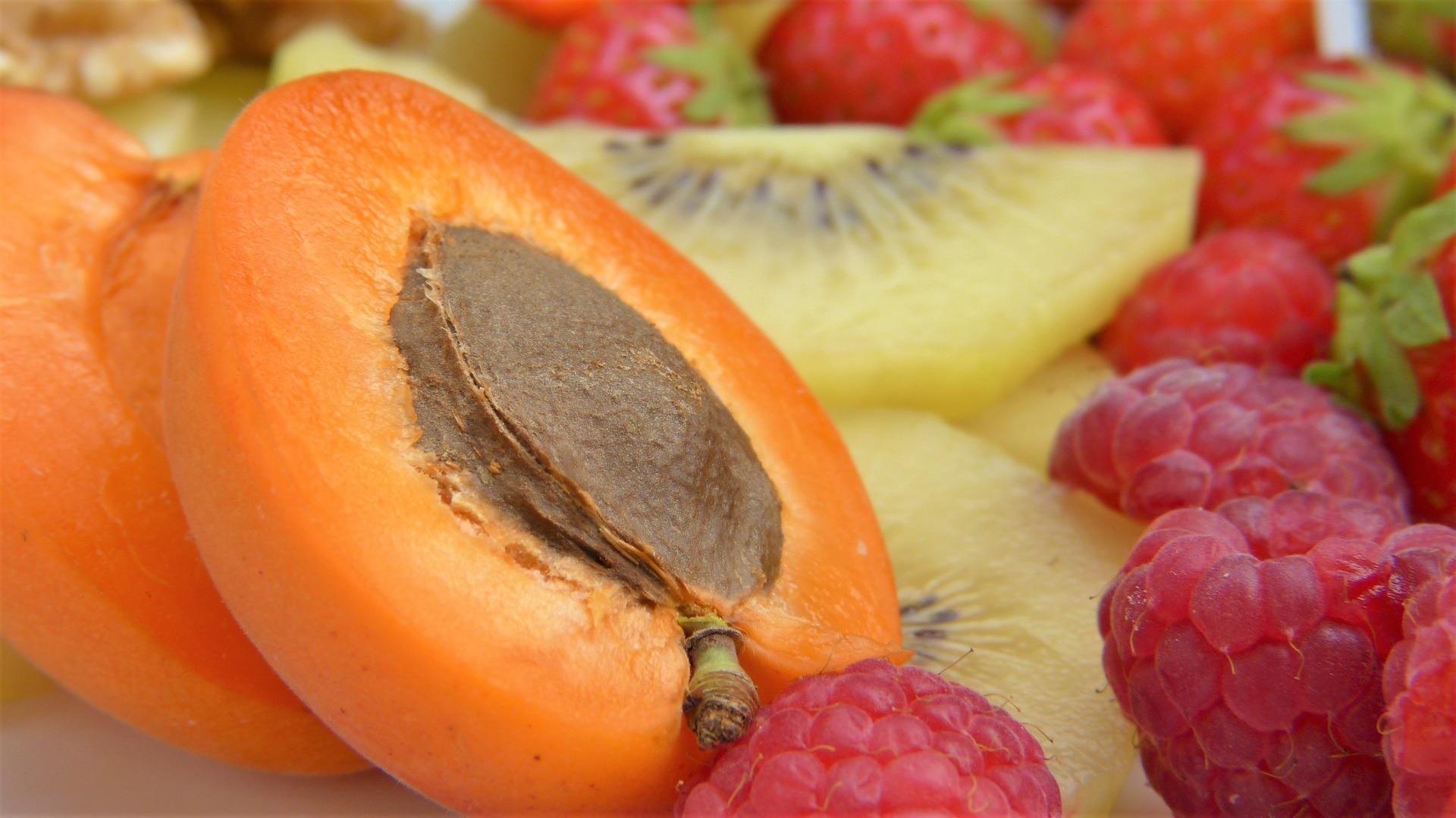 Vitaminele şi substanţele minerale, caise