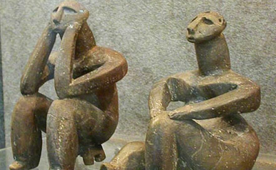 Gânditorul de la Hamangia si Femeie şezând
