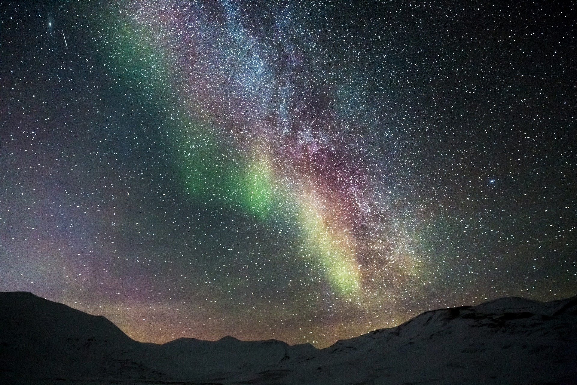 Cerul noptii vazut de la Polul Nord
