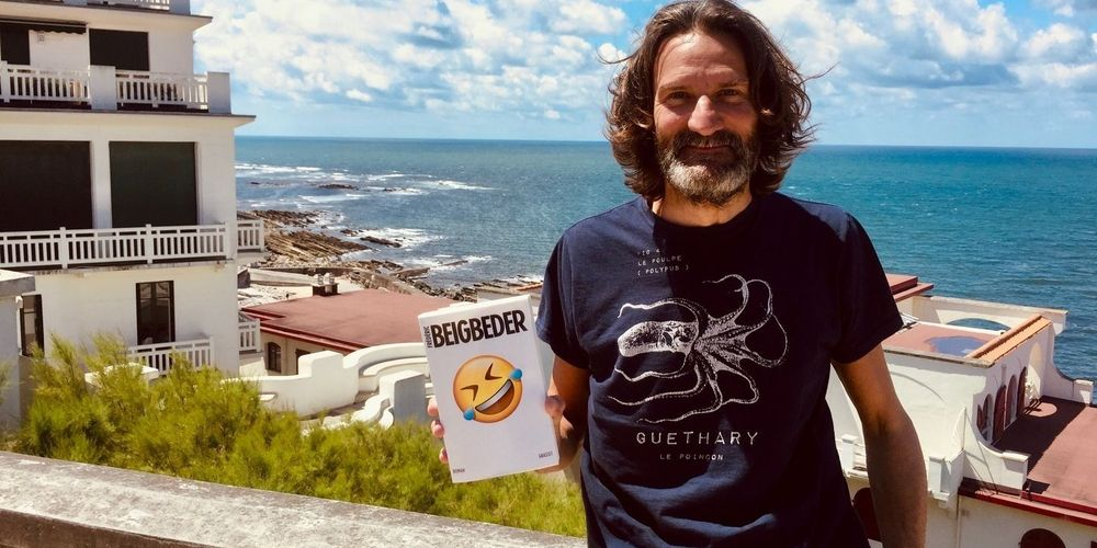 Frédéric Beigbeder, Omul care râde cu lacrimi