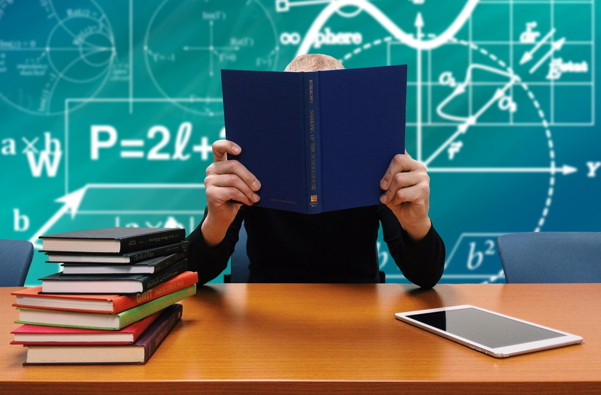 Școala online – avantaje şi dezavantaje