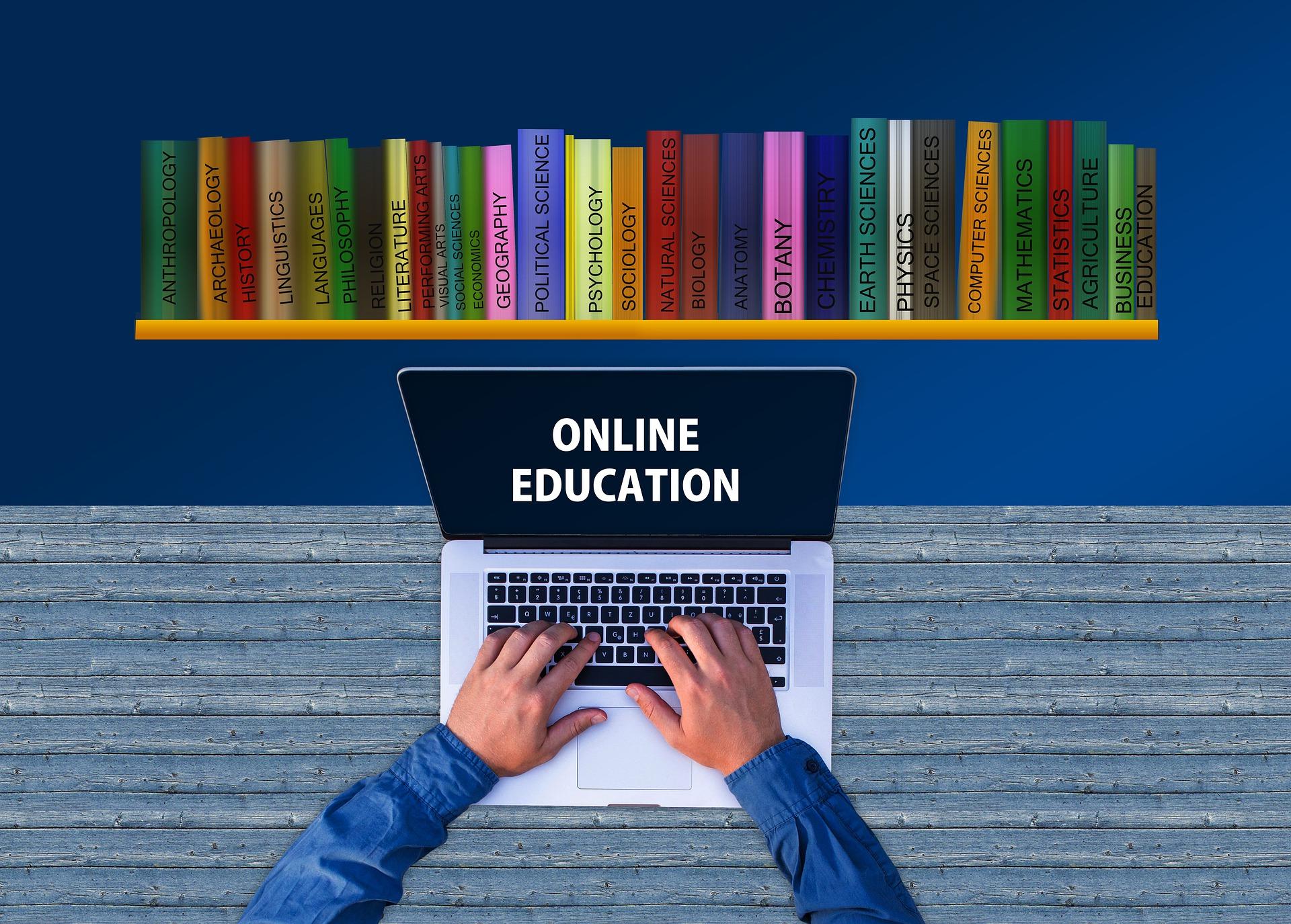 Școala online – suntem prizonierii unor stereotipuri?