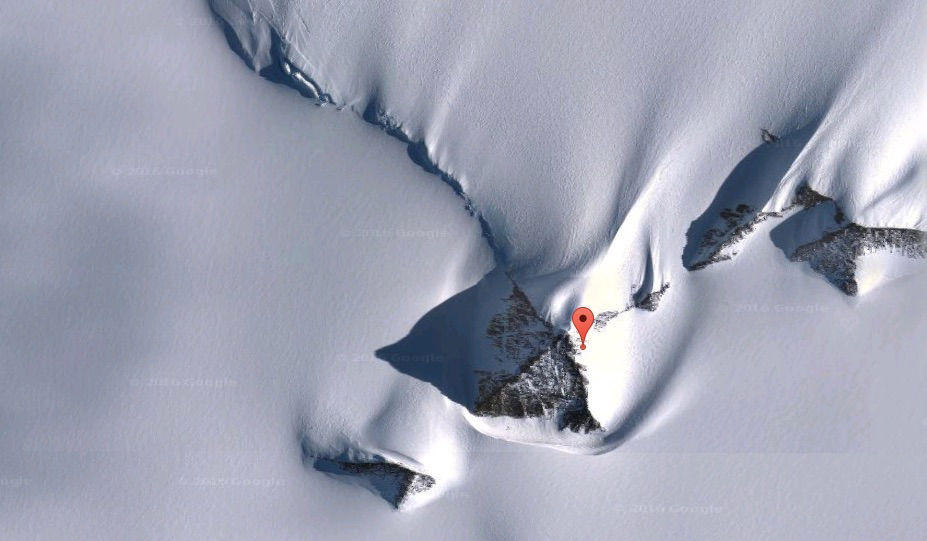 Piramide in Antarctica, Sursa CBS