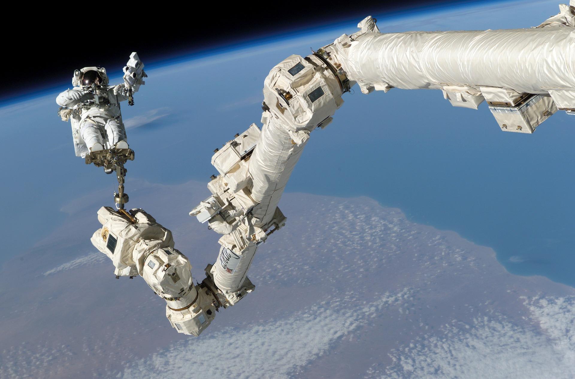Astronauti pe ISS
