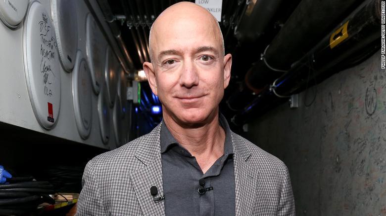 Jeff Bezos, Sursa CNN