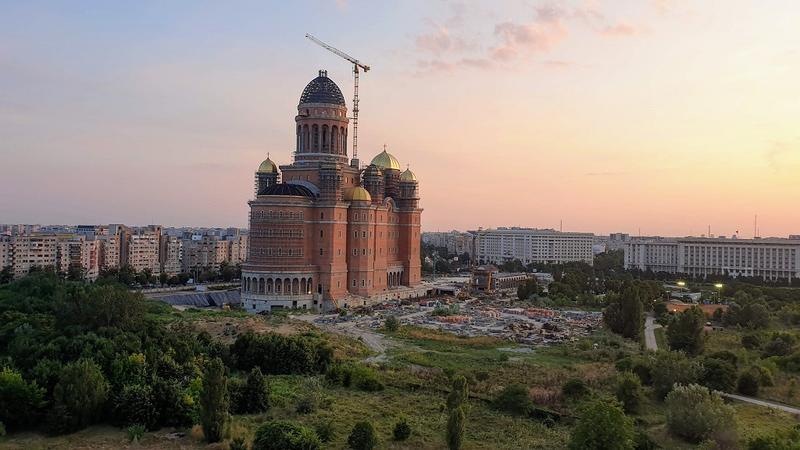 Fapte inedite despre România, Catedrala Mantuirii Neamului