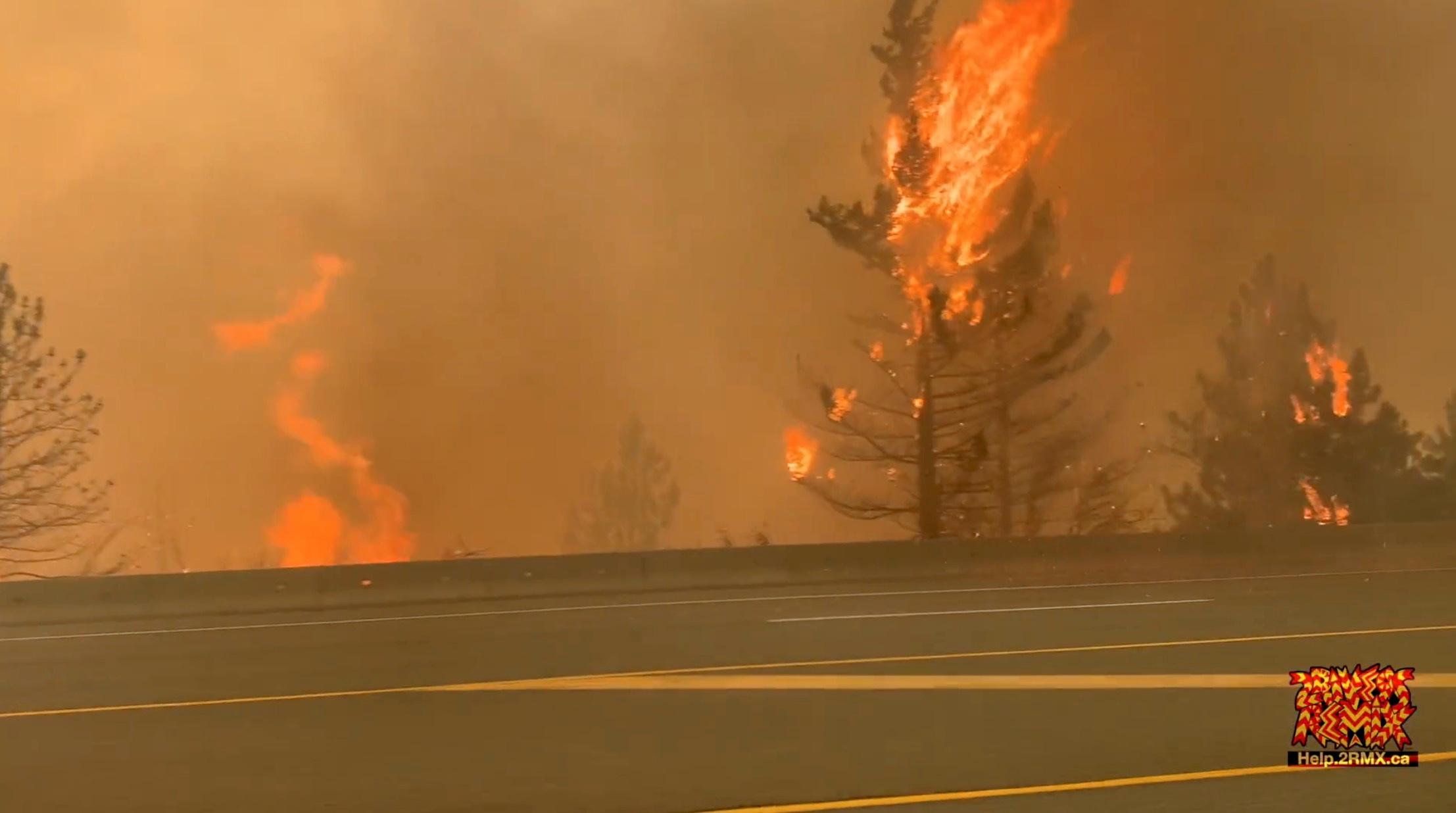 Incendii in Lytton, British Columbia