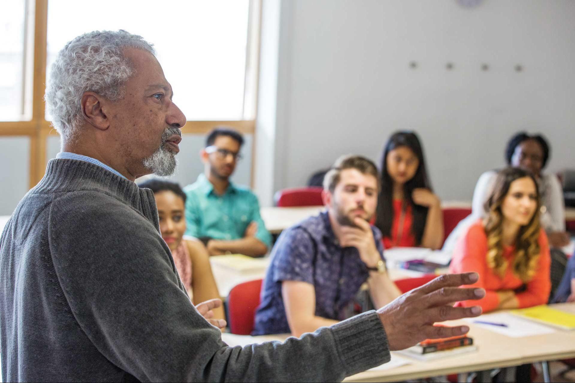 Abdulrazak Gurnah, laureatul Premiul Nobel pentru Literatură 2021, profesor la Universitatea Kent